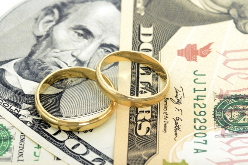 Can a marriage survive financial crisis?